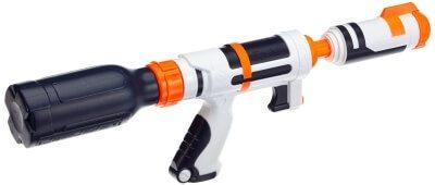 Nerf Supersoaker wie der Nerf Bottle Blitz sind die besten Wasserpistolen auf dem Markt.