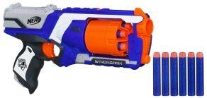 Eine der beliebtesten Nerfs ist die Strongarm mit Trommelmagazin in blau/orange.